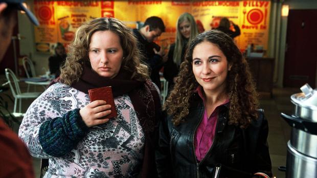Zwei Mädels (Nina Vorbrodt, l. und Shirin Soraya, r.) wollen mal so richtig