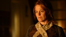 The Village - Das Dorf - Alice Hunt (Sigourney Weaver) will unter keinen Umstnden, dass ihr Sohn den todbringenden Wald durchquert, um in der Stadt Medikamente fr den Notfall zu besorgen ...  Touchstone Television