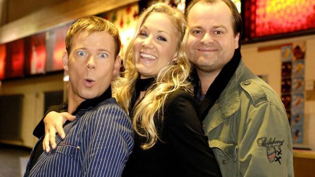 Mathias (Mathias Schlung, l.), Janine (Janine Kunze, M.) und Markus (Markus M...